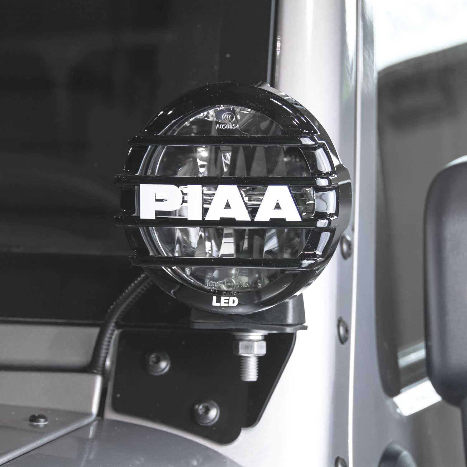 "PIAA Jeep Wrangler JK 2007-2016 LP550 5"" LED Driving Light Pillar Mount Kit SAE Compliant - 05512"